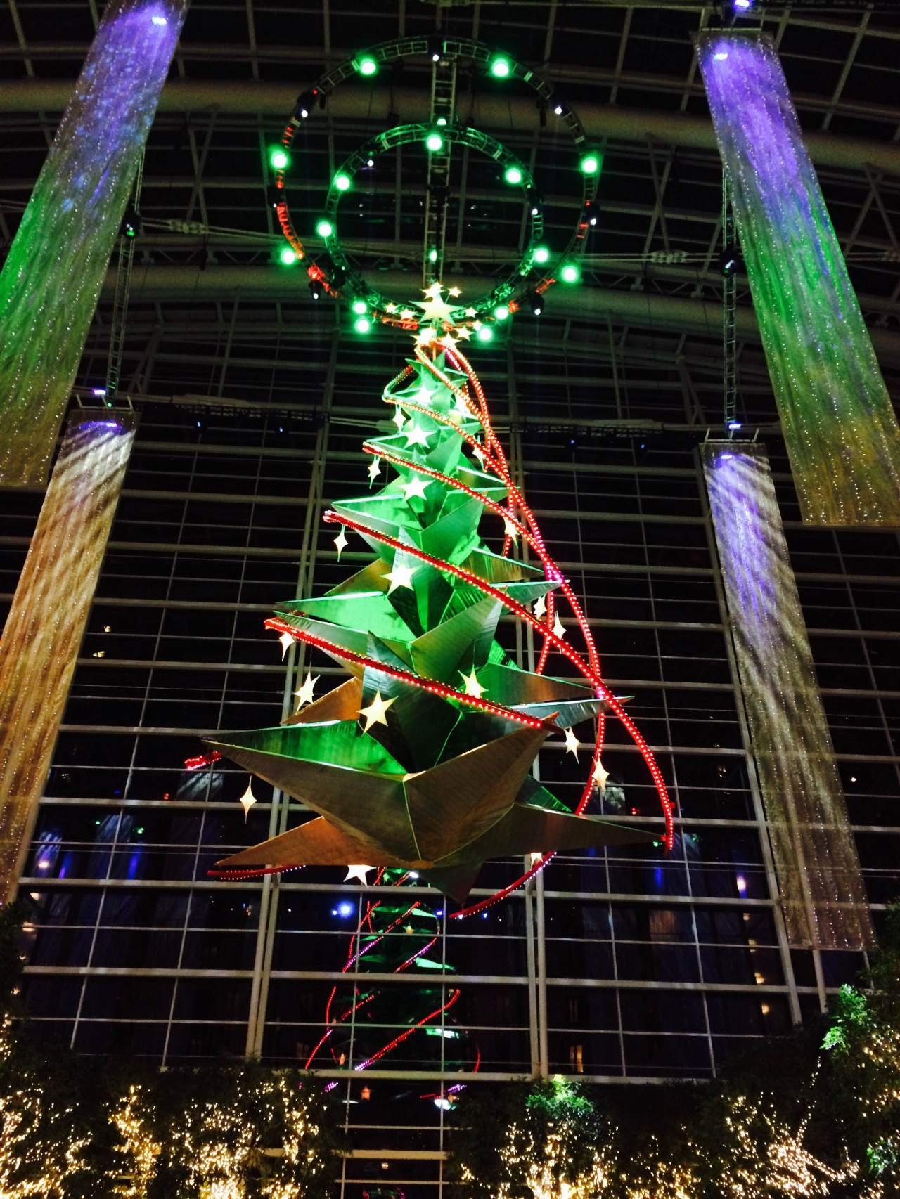 Today's On The Go Photos: National Harbor Holiday Decor
